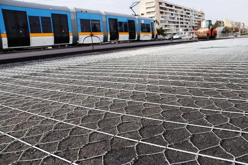 Двойно усукана телена мрежа за армиране на асфалтови настилки