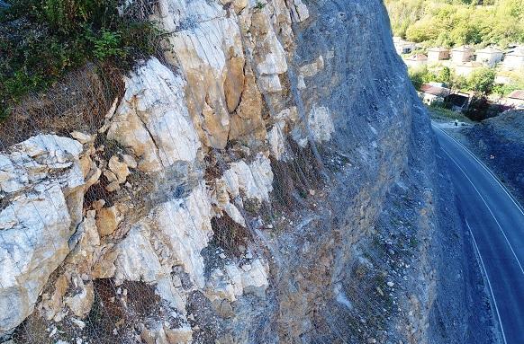 Системи за защита от падащи камъни при обходен път на гр. Габрово