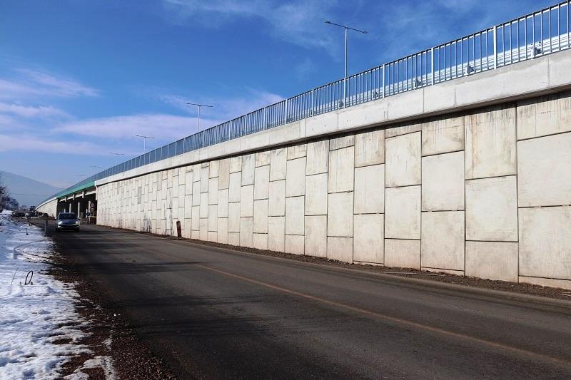 Армонасипи с вертикално лице от бетонови панели, Софийски околовръстен път – ПВ Младост и ПВ Горубляне