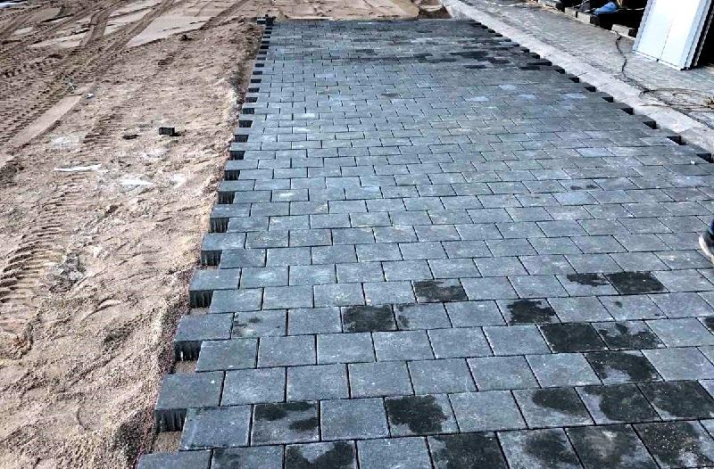 Решения за изграждане на пешеходни и трафик зони с бетонови настилки