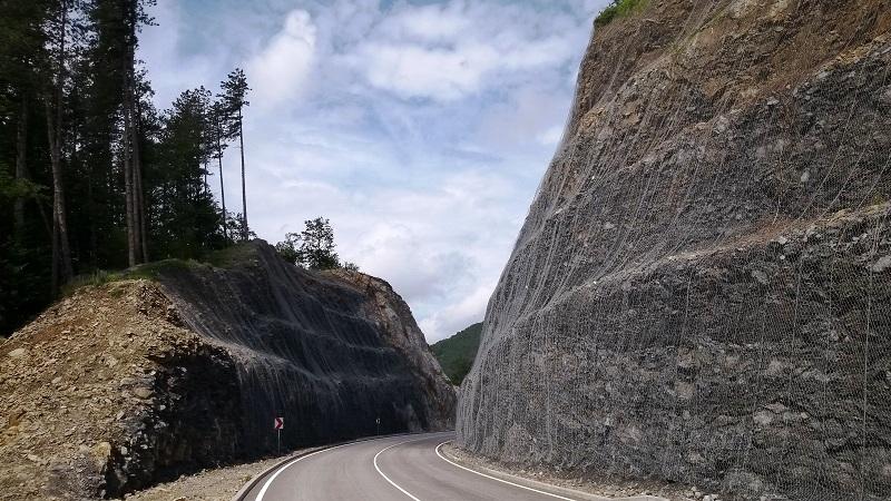 Защита от падащи камъни при обходен път на гр. Габрово