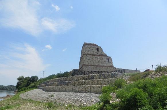 Габиони и армиращи модули укрепват античната митница Димум