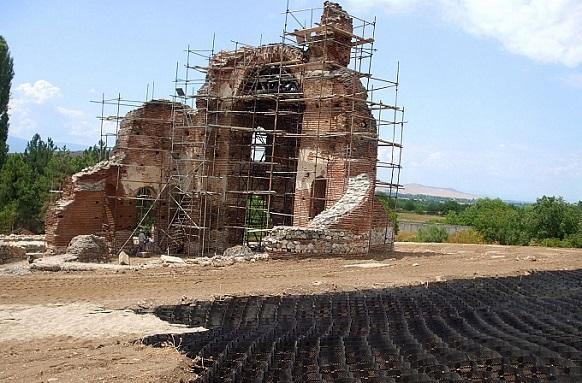 """Геоклетъчна система в проекта за реставрация на """"Червената църква"""""""