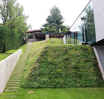 Системни решения за моделиране на терена на еднофамилна жилищна сграда, кв. Бояна