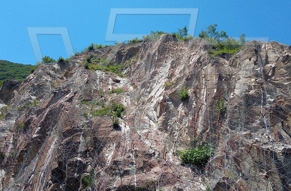 ВИ ДЖИ ЕФ със системни решения за защита от падащи камъни
